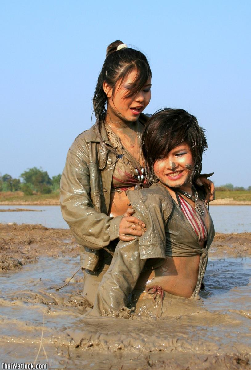 Thai girls in pattaya walking street thailand - 4 6